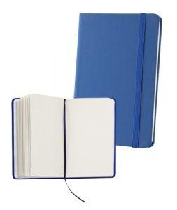 Poznámkový blok se 100 stranami, záložkou a gumičkou.