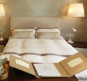 """Hotelová složka s blokem-""""hotelová kniha"""""""